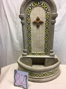 Home furnishings - Fountain, new in box