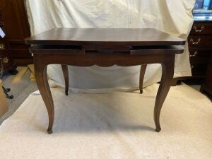 Furniture - Game Table
